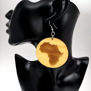 "✨""Wanderlust"" Etched Africa Wooden Earrings"